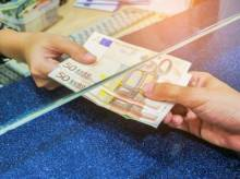 Reasons to set up your bank account before leaving abroad